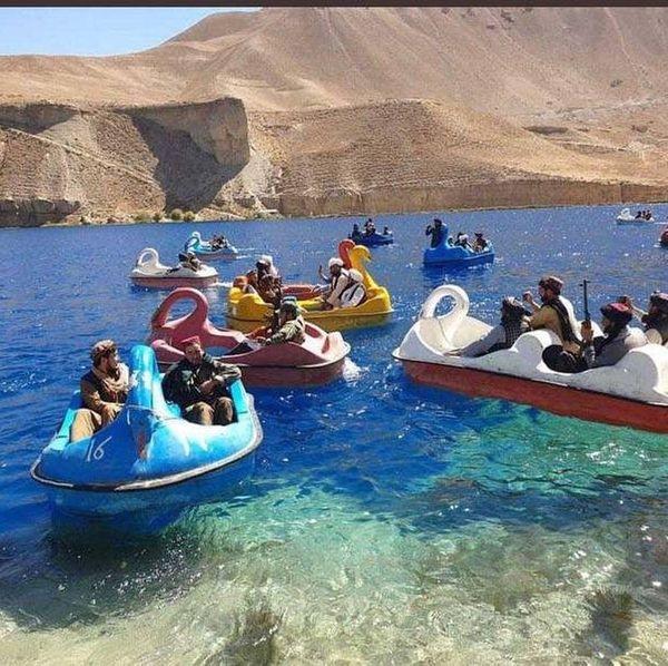 Talebani a Band-e Amir